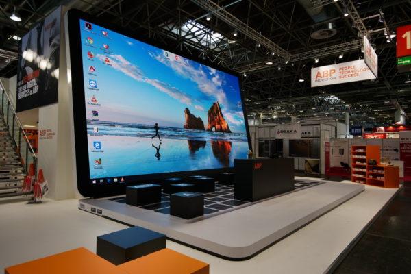 Projekte, 2019-06, GIFA, ca. 45m² 4K-Laptop 07